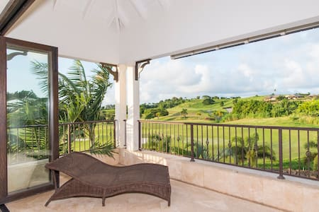 Luxury 4Bed Villa with Spectacular Views & Pool
