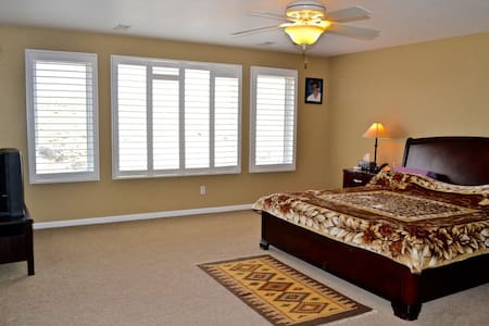 Large seven Bed room vacation home - Parker - House