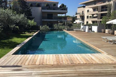 Deluxe Saint Tropez Studio with Pool/Gym/Spa - Saint-Tropez