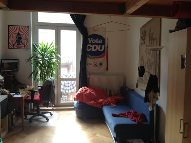 Zimmer im Herzen Frankfurts - Frankfurt nad Mohanem - Byt