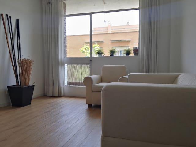 Apartamento céntrico, reformado y con ascensor - Алкала де Энарес - Квартира