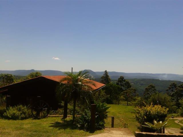 Casa em Gramado/ RS com vista para a Serra