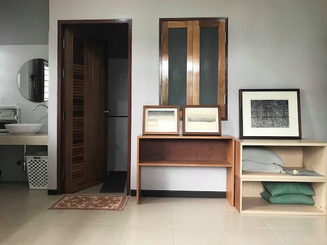 Bann Jitwichai ( Natural Art & Culture home )
