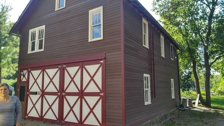 Historic Cozy Carriage House-Downtown Clarkston