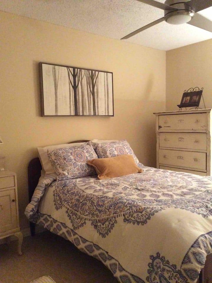 Tarpon Springs, FL 34689 USA—No cleaning fees