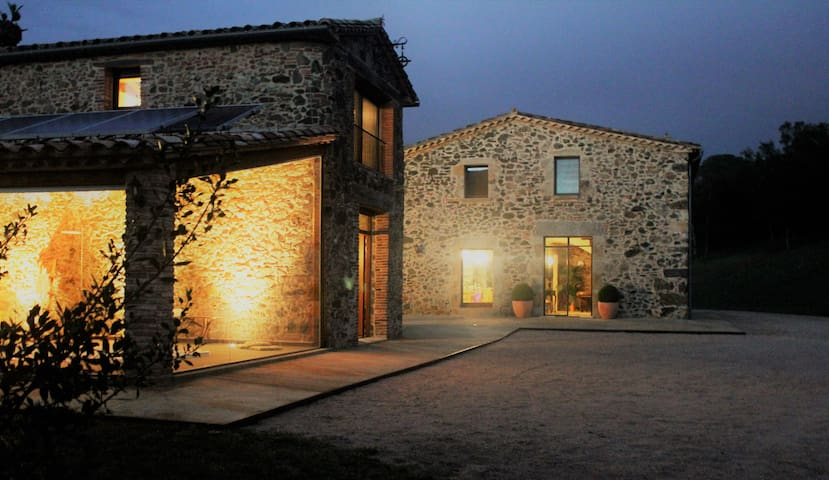 A Lovely Old Stone Built Country House - Vidreres - Casa