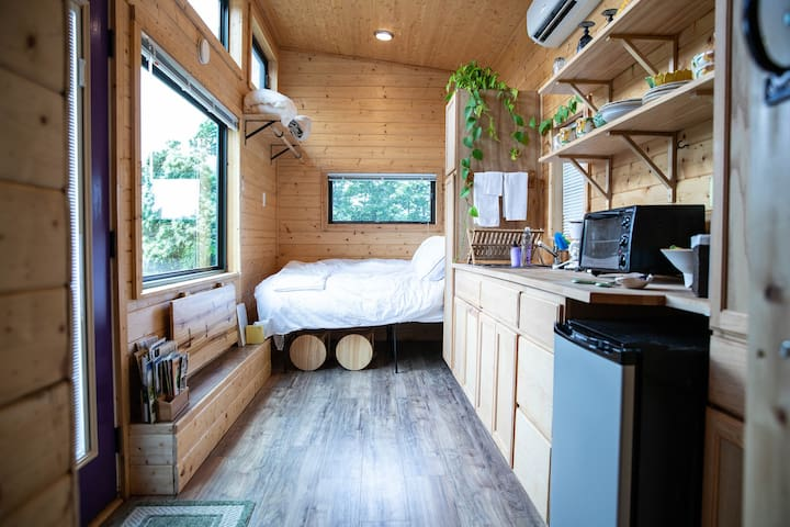 Tiny Home at the Gardens—Near Center of Asheville