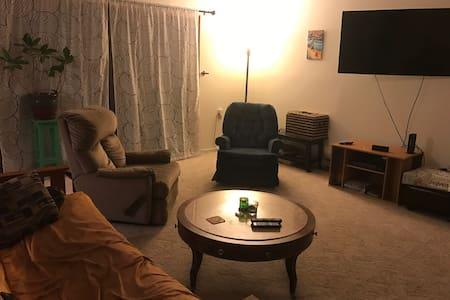 Clean Quiet Room in Large South Burlington Condo - South Burlington