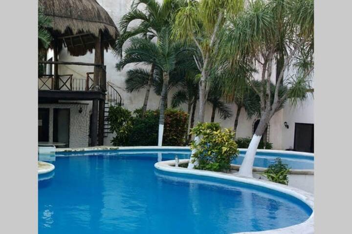 Cancun Malecon Americas 2