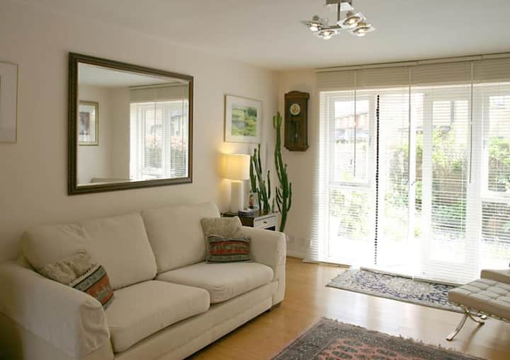 Spacious, private ground floor apartmet sleeps 3