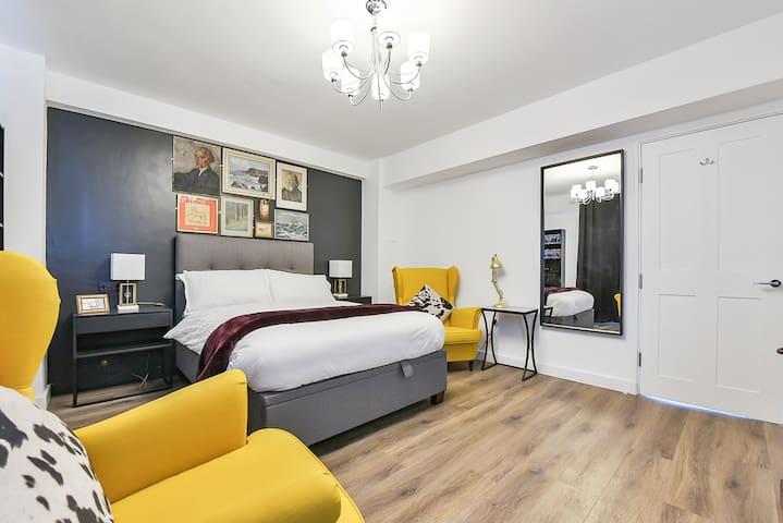 E1 Smart  2 Bed Home Bangla Town & Whitechapel.