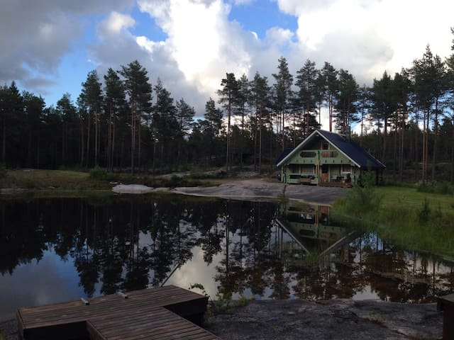 Private cottage with an own lake and sauna