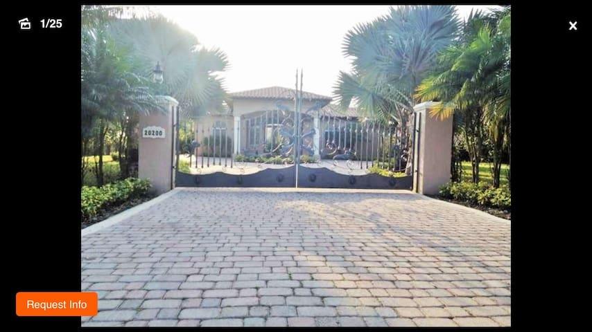 COZY FARM HOUSE IN MIAMI - Miami - Casa