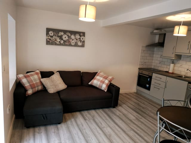 This sofa bed in the living room area offers flexibility & is ideal for one adult or two children. Making sure that your stay is suited to your needs & budget! After a day exploring the magnificent Wild Atlantic Way, its the ideal spot to relax...