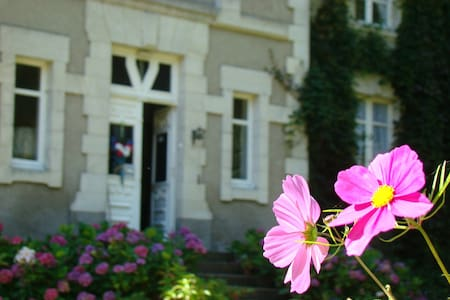 Stopover Family room with breakfast - Buxières-sous-Montaigut - Bed & Breakfast