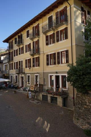 Vacanze a Casteldelfino - Casteldelfino - Apartamento
