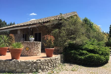 Rooms to rent in country House  Wi-Fi free - Caltanissetta