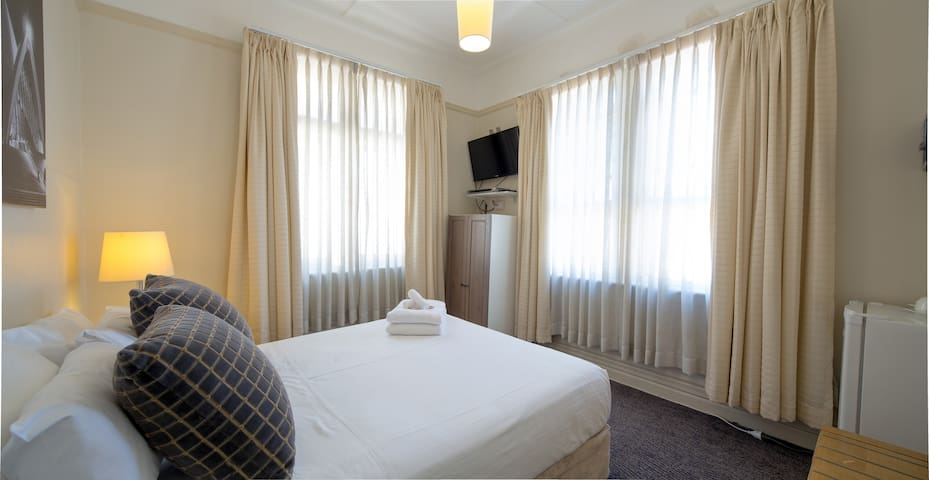 Double Room Shared Bathroom - Hotel