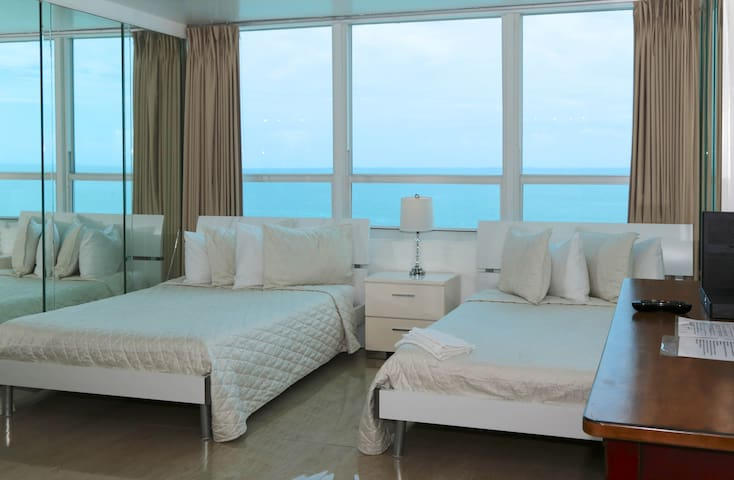 BEACHFRONT CONDO-HOTEL OCEANVIEW with free PARKING