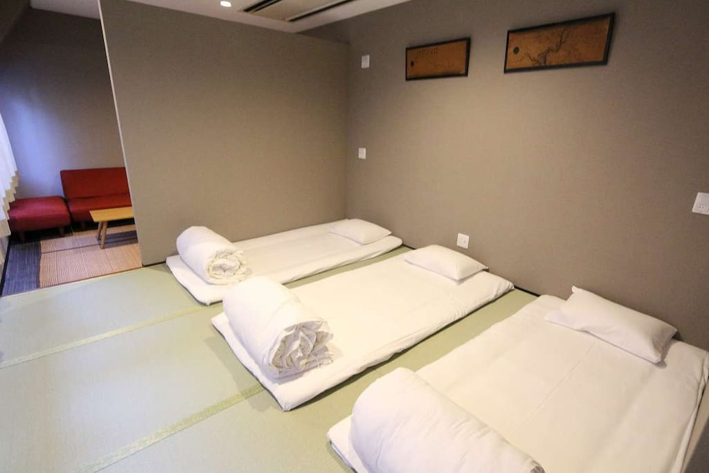 the bed room for 5 people