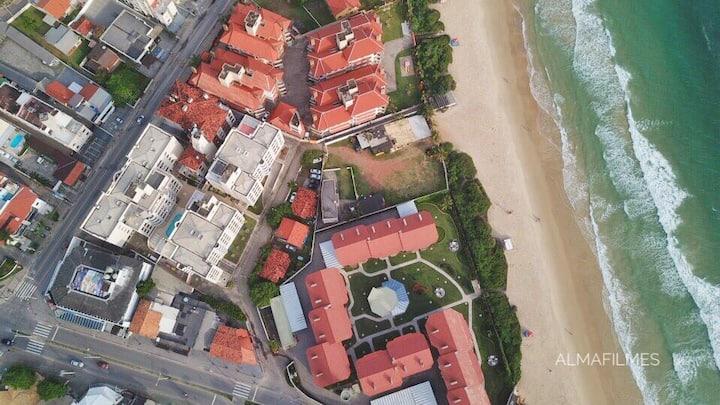 Apto Ingleses /piscina/praia/garagem