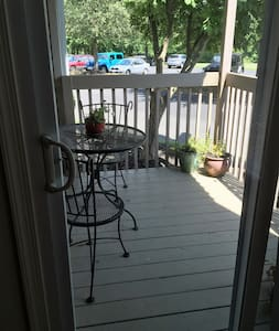Private Bed & Bath / Cozy Macungie - Macungie - Lejlighed