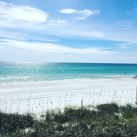 "Close to the beach!  ""Seagrove Sea-Esta 30A"" 2/2.5"