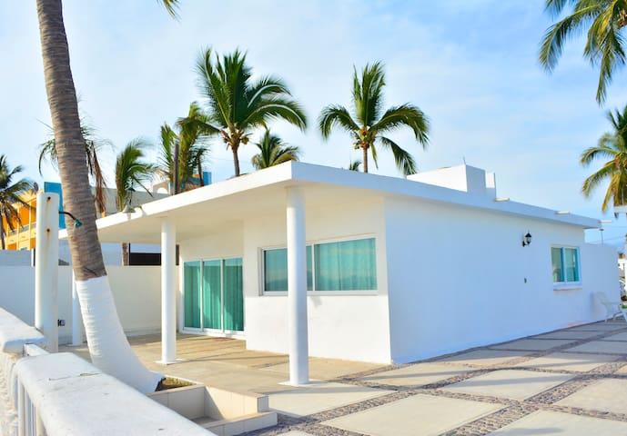 Cómoda Casa de Playa en Condominio Sol y Mar
