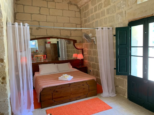 The Cittadella, a beautiful room in Ghasri, Gozo