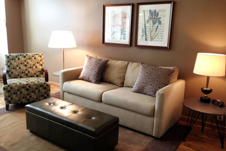 Fountainview Inn - Suite 303