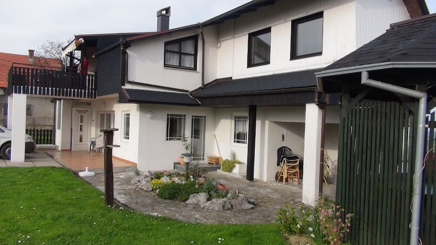 Bauerbreg - Vrtlinovec - Квартира
