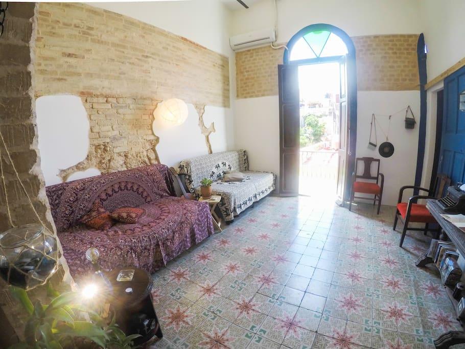 En Suite La Gi: Suite Colonial Única En El Km De Oro