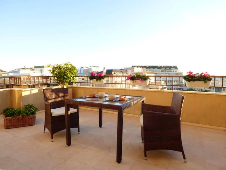 Apartment with one bedroom in Marbella, with wonderful city view, terrace and WiFi - 200 m from the beach