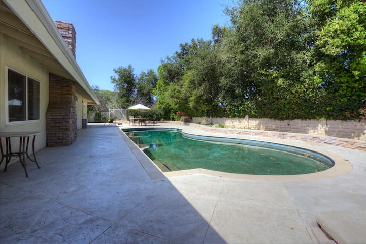 Spacious Home in Calabasas- 4 Bdrm w/ Pool