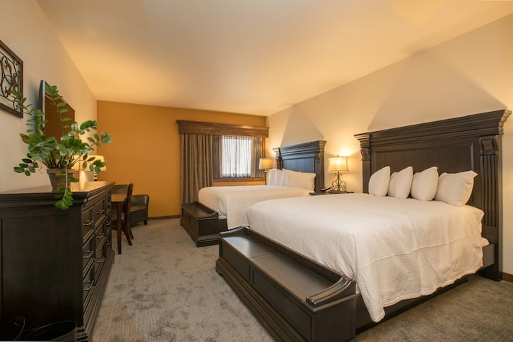 Grand Double Queen Room
