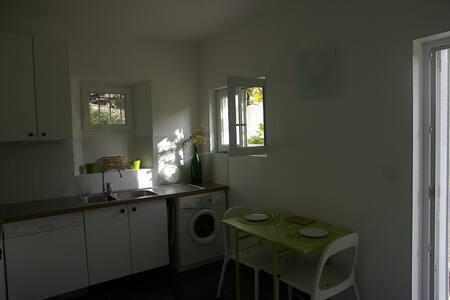 Appartement 60m2 en rez de jardin dans la verdure - Jouy-en-Josas