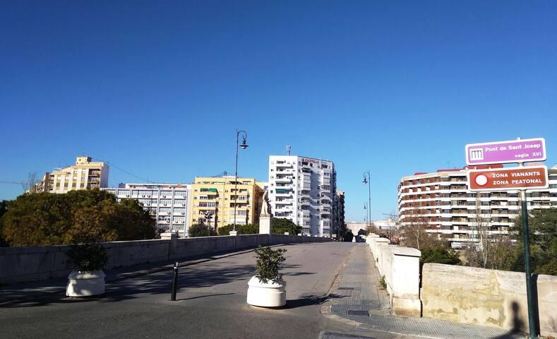 Piso acogedor muy cerca del centro de Valencia (I)