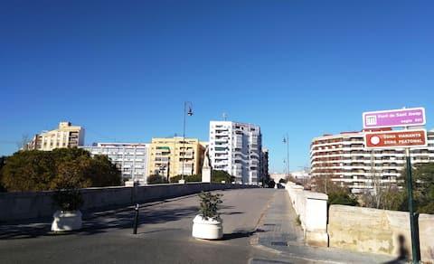 Valencia merkezine çok yakın, konforlu daire (I)