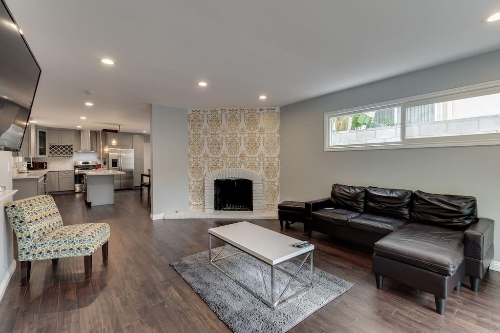 Woodland Hills Zen Modern Houses For