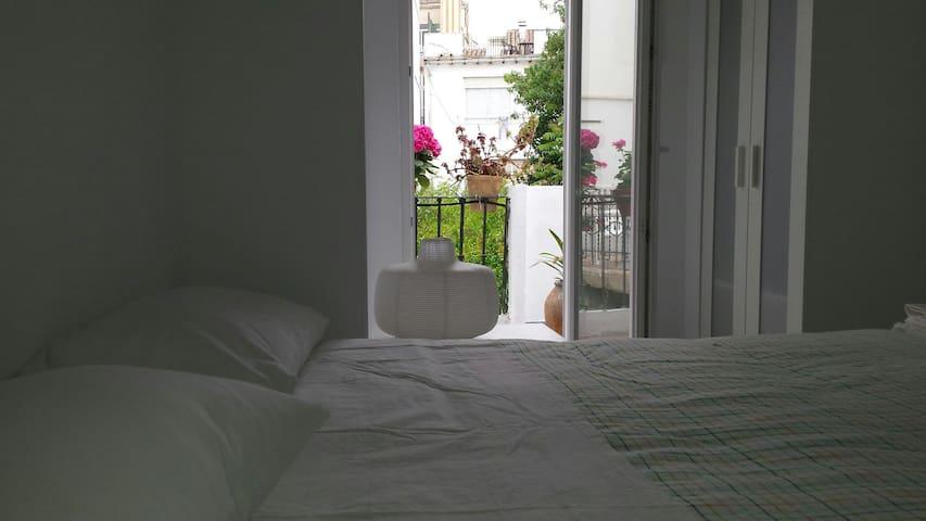 Habitacion nueva doble terraza jardin baño complet - València - ที่พักพร้อมอาหารเช้า