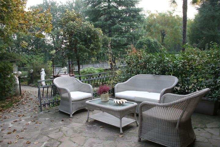 BUTTERFLY B&B : soggiorno solidale - Terra del Sole - Bed & Breakfast