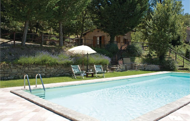 Holiday cottage with 1 bedroom on 68m² in Castiglion F. AR