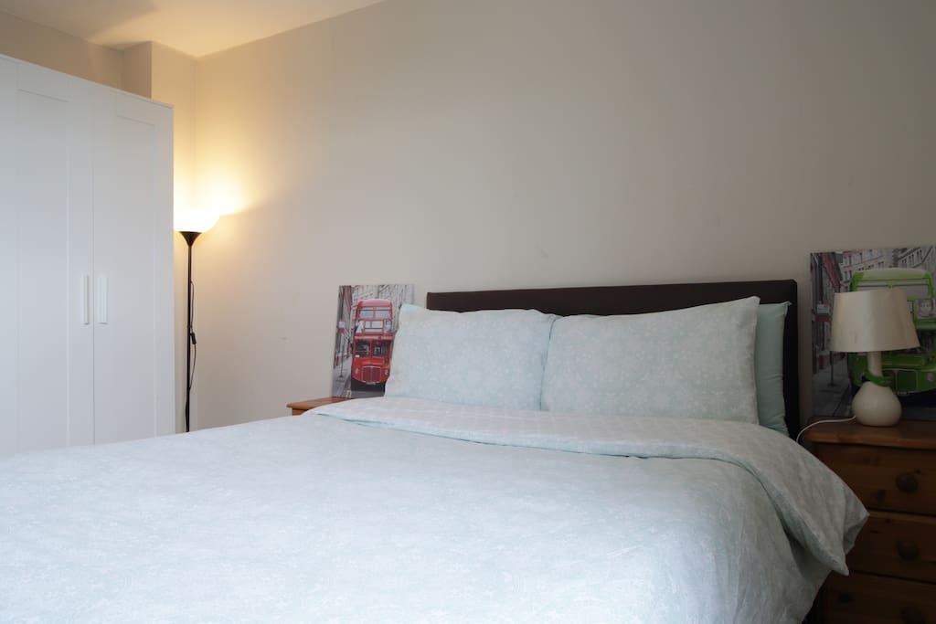 Spacious & tidy double bedroom