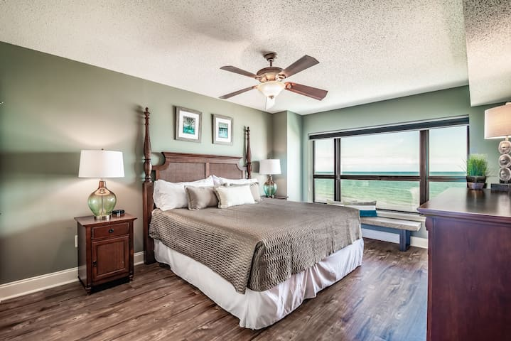 Relax and Unwind Oceanfront Style. NEW Flexible Payment and Cancellation Options!
