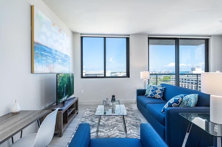 Brand New 2 Bedroom Condo w Full Kitchen near Frost Museum, AA Arena, Bayside, PortMiami