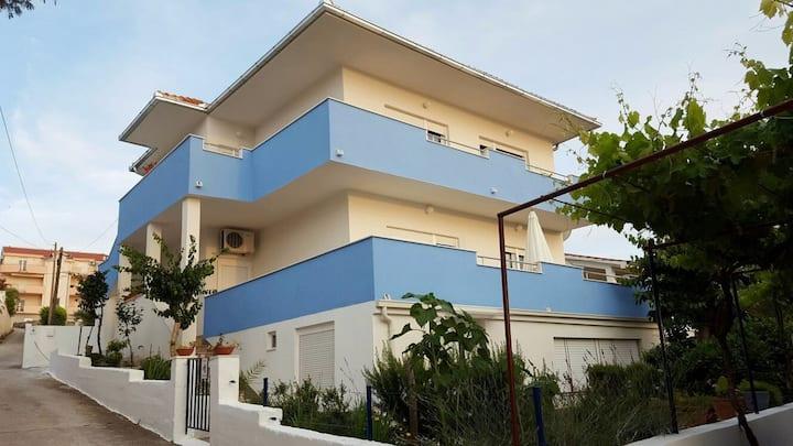 Two Bedroom Apartment, beachfront in Okrug Gornji (Ciovo), Terrace