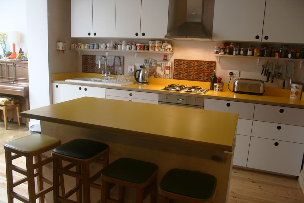 Well-equipped kitchen with counter seating