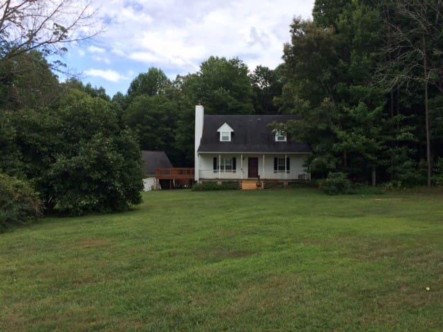 Rocky Creeks Farm Guest House