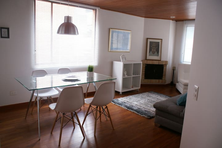 VERY WELL LOCATED! COZY & SAFE, 2BD 2BR - Bogotá - Apartamento