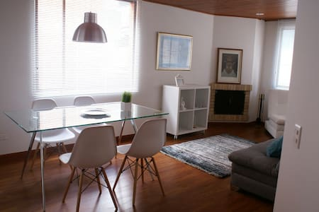 VERY WELL LOCATED! COZY & SAFE, 2BD 2BR - ボゴタ - アパート